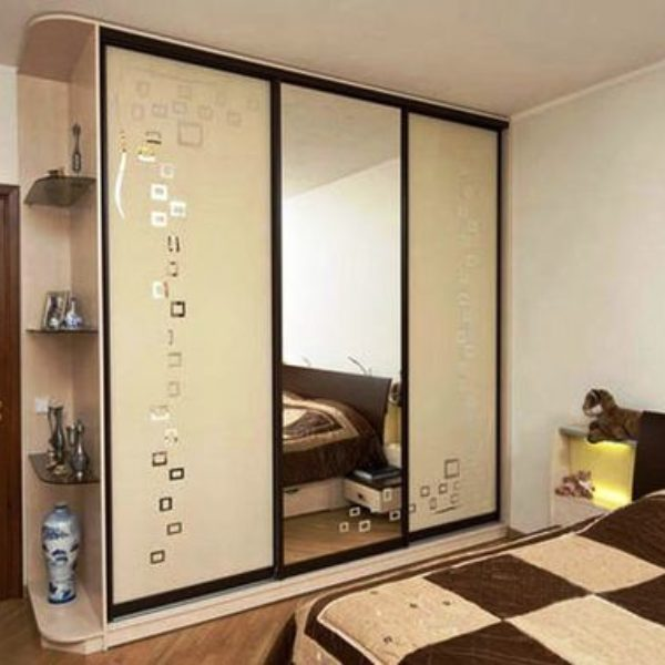 Шафи-купе в спальню